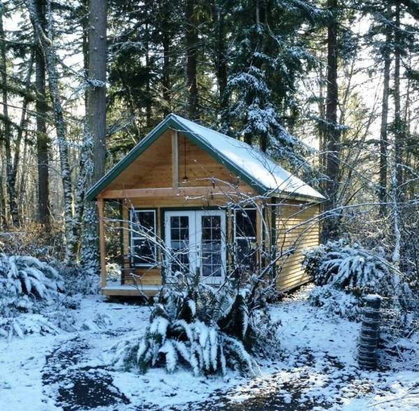 Tiny Cabin For Sale in Graham 002