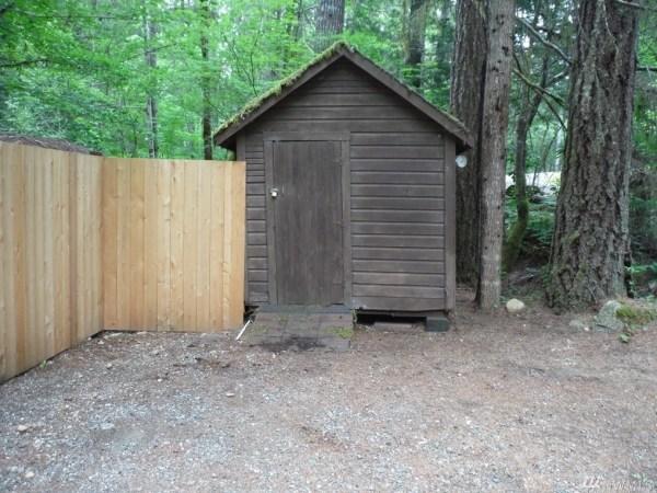 Tiny Cabin For Sale in Hoodsport via TinyHouseTalk-com 0011