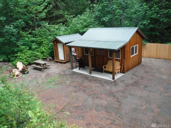Tiny Cabin For Sale in Hoodsport via TinyHouseTalk-com 0012