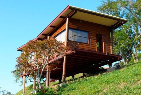 Tiny Cabin on Stilts in Brazil called Casa Em Guararema by Cabana Arquitetos 0011