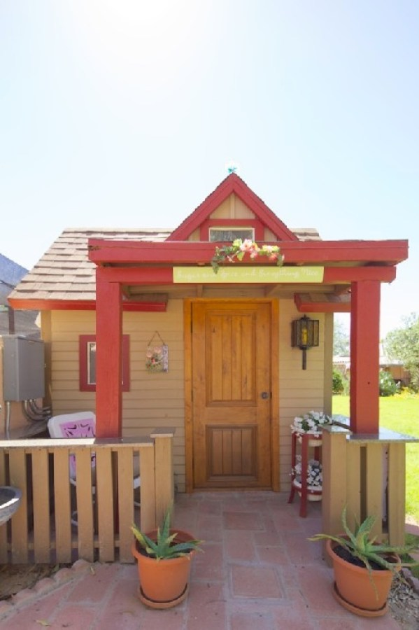 Tiny Cottage Retreat Vacation in Scottsdale 0014
