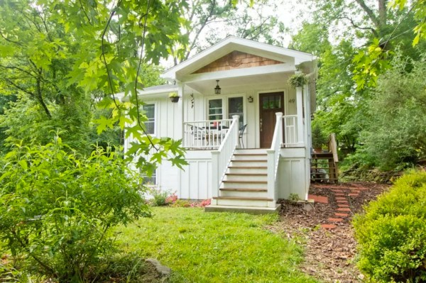 Tiny Cottage in Asheville 001
