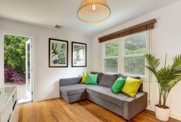 Tiny Cottage in Los Angeles For Sale via TinyHouseTalk-com 003