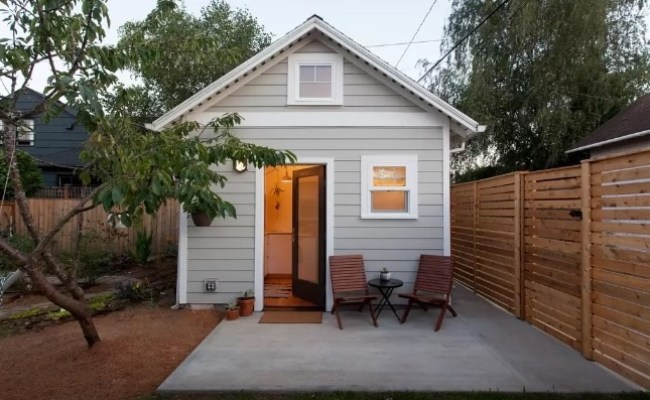 Tiny Cottage In Portland