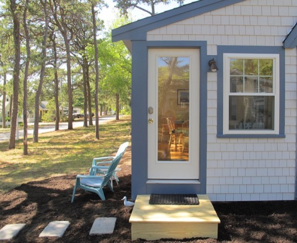 Tiny Cottage in West Dennis, Cape Cod 001