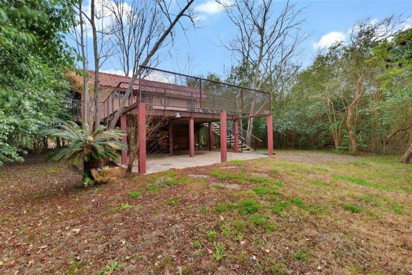 Tiny Cottage on Stilts in Houston Texas For Sale 0024