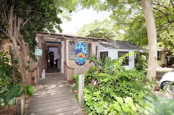 Tiny Cottage on an Urban Farm in Miami 0010