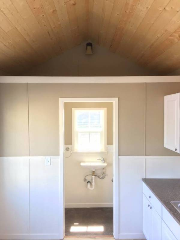 Tiny House For Rent in Battle Ground Oregon 006