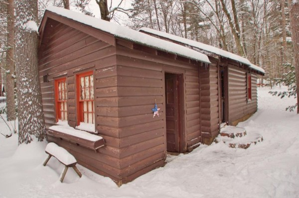 Tiny Log Cabin For Sale in Hayward WI 0014