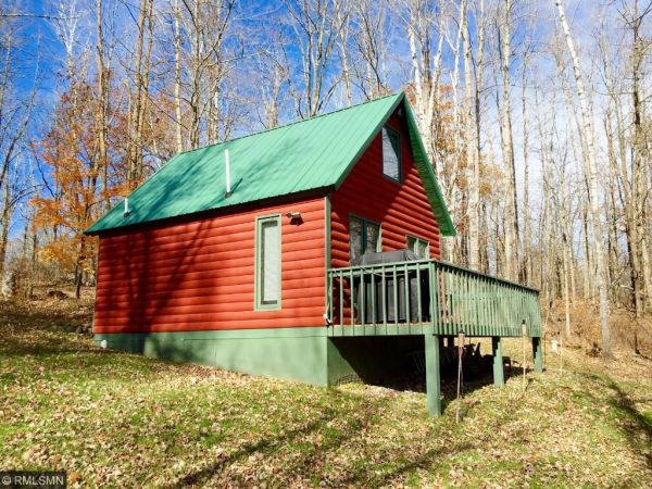 tiny-log-cottage-on-6-acres-for-sale-002