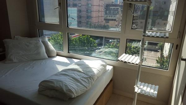 tiny-modern-apartment-in-south-korea-012