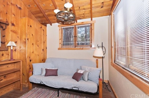Tiny Mountain Cabin in Idyllwild California For Sale with Land 007