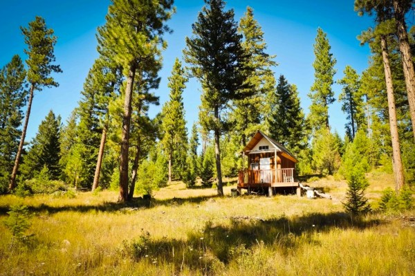tiny-off-grid-mountain-cabin