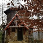 Tiny Tower Cottage in North Carolina 001