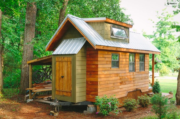 Travis-Brittany-Tiny-204-Sq-Ft-Home-003