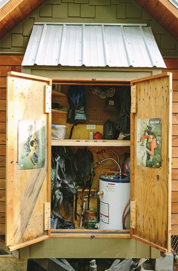 Travis-Brittany-Tiny-204-Sq-Ft-Home-004