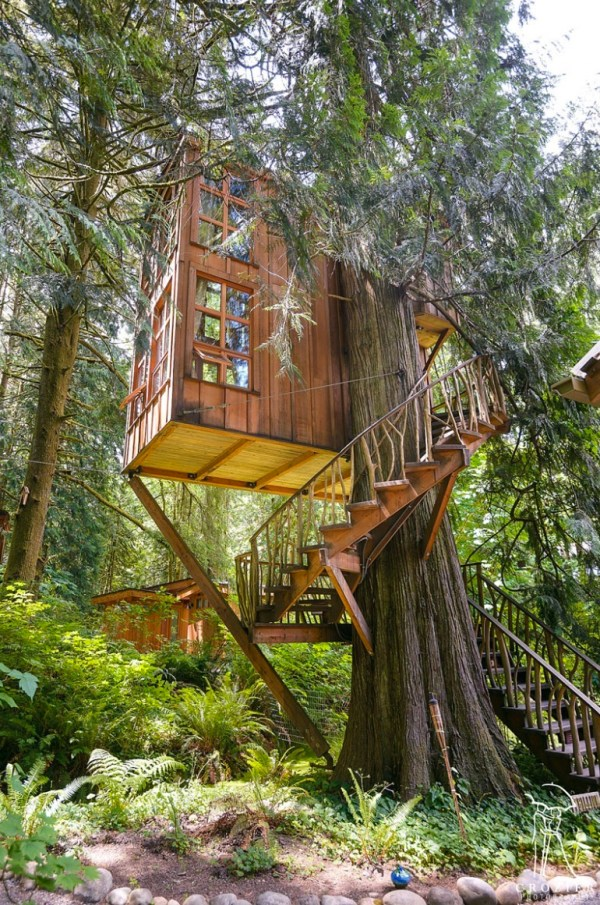 Trillium Treehouse at Treehouse Point 001