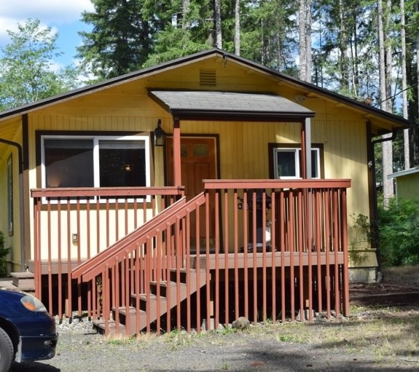 Two Bedroom Cottage For Sale in Shelton 001