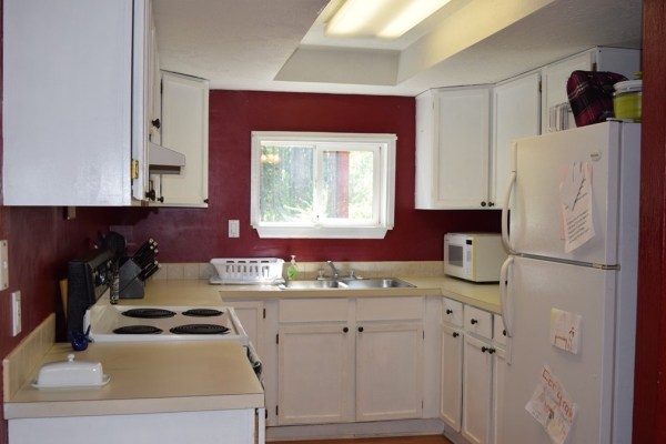 Two Bedroom Cottage For Sale in Shelton 008