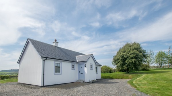 Two Bedroom Wee House in South Ayshire Scotland 001