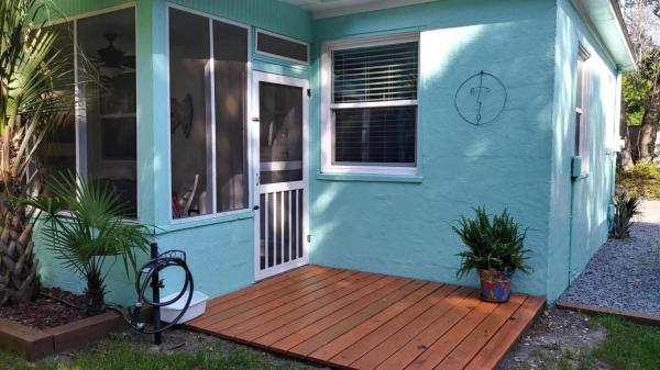 Vintage Tiny Cottage in Folly Beach 0012
