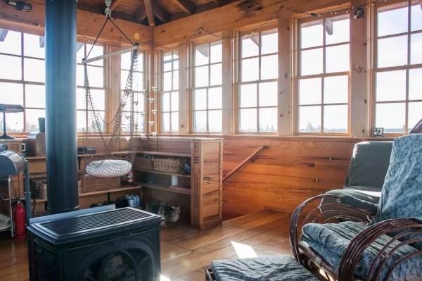 Watch Tower Cabin in Terebonne 006