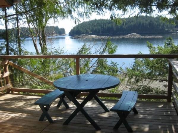 Waters Edge Tiny Cabin 0010
