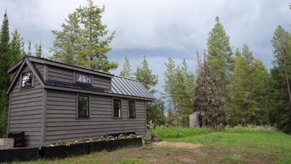 Womans Fy Nyth Tumbleweed Tiny House on Wheels 0014