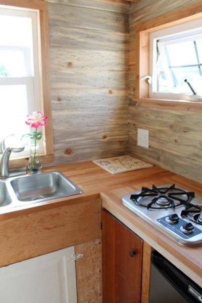 aprils-tiny-house-6