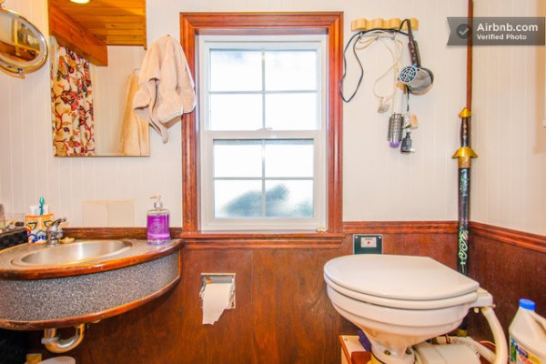 barge-tiny-house-airbnb-vacation-rental-010
