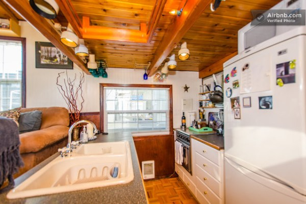 barge-tiny-house-airbnb-vacation-rental-06