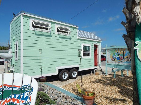 beach-tiny-house-001
