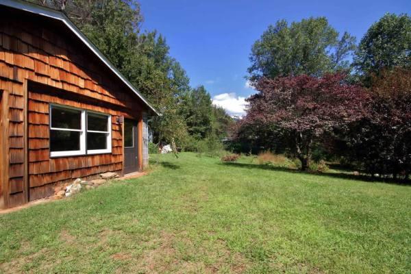 beautiful-zen-cabin-asheville-017