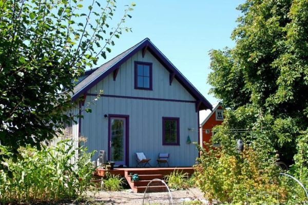 beekeepers-bungalow-small-cottage-for-sale-0003