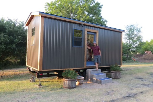 ben 39 s tiny house for sale near austin texas. Black Bedroom Furniture Sets. Home Design Ideas
