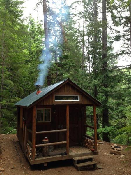 bogdan-tiny-cabin-in-the-woods-1