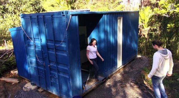 brenda-kellys-off-grid-shipping-container-tiny-house-002