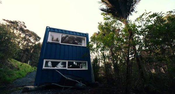 brenda-kellys-off-grid-shipping-container-tiny-house-003