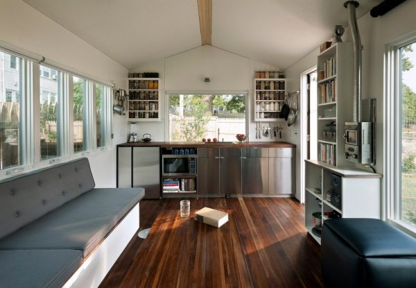 brian-levys-minim-homes-tiny-house-on-wheels-002