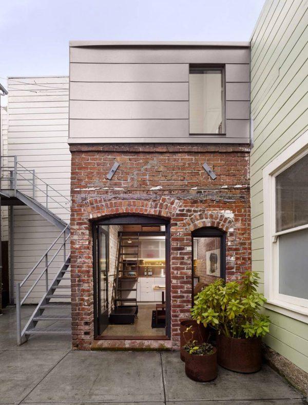 brick-house-laundry-room-to-tiny-house-conversion-09
