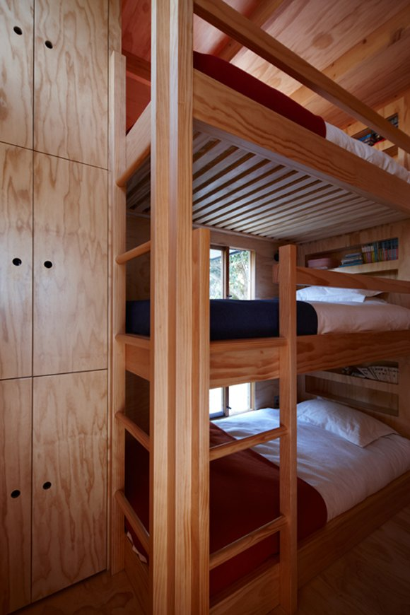 Bunk Bed Room for Kids in Tiny Modern Beach Home