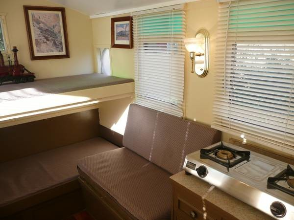 caboose-micro-guest-house-006