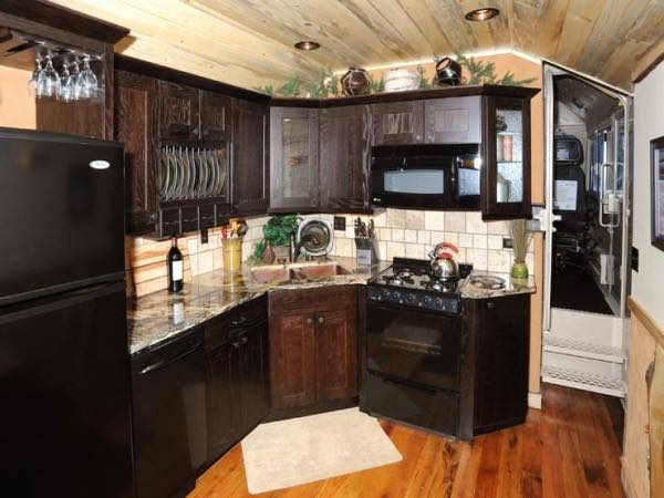 caboose-tiny-house-vacations-in-essex-montana-009