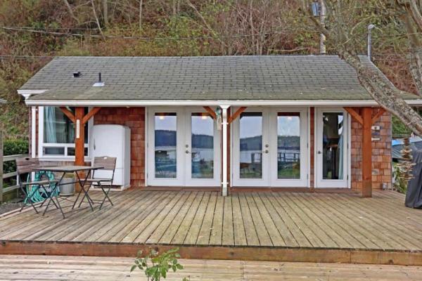 camano-island-beach-cottage--smallhousebliss-009