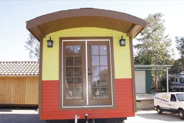 caravan-tiny-house-so-cal-cottages-003