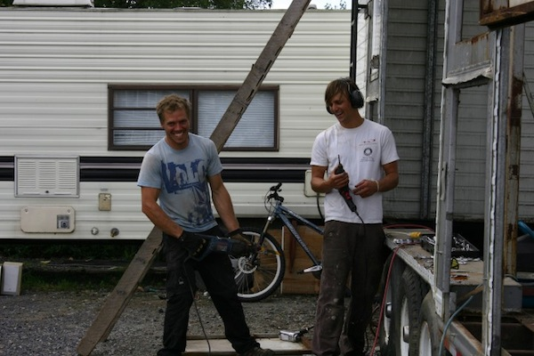 carnival-attraction-to-tiny-house-project-04