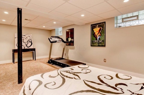columbus-ohio-cottage-for-sale-with-garage-and-finished-basement-0021