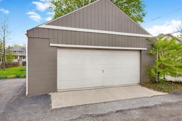 columbus-ohio-cottage-for-sale-with-garage-and-finished-basement-0026