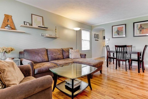 columbus-ohio-cottage-for-sale-with-garage-and-finished-basement-004