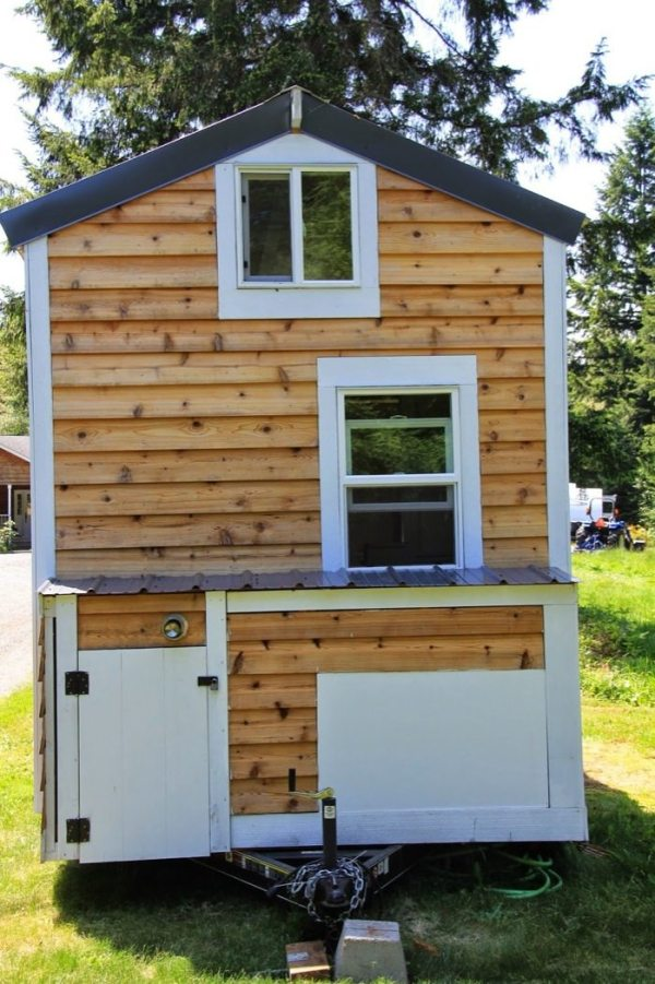 144 sq ft diy blue door tiny house on wheels. Black Bedroom Furniture Sets. Home Design Ideas